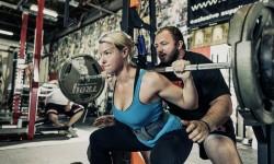 L'ESERCIZIO DEL DIAVOLO – Diabolicamente difficile e incredibilmente efficace: ecco come fare lo Squat perfetto